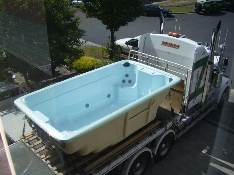 Swim spas plunge pools spa pools swimming pools portable for Swimming pool and spa